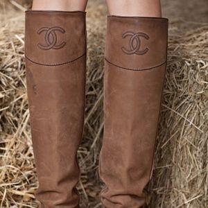 Chanel Leather boots size 36